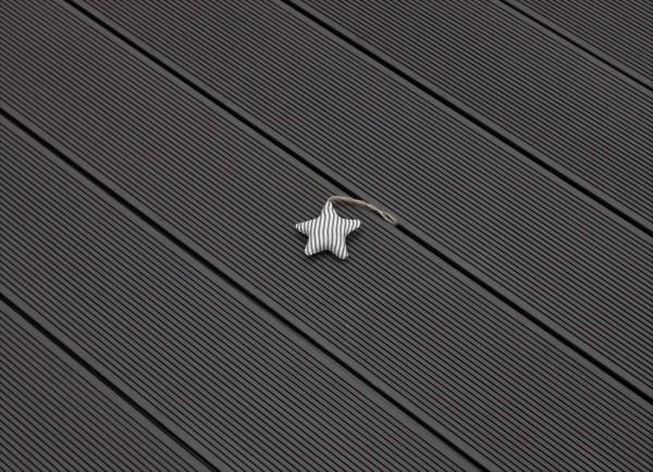Restposten WPC Terrasse massiv, dunkelgrau, Oberfläche fein gerillt, 22 x 143 bis 4800 mm, Vollprofil, 8,95 €/lfm