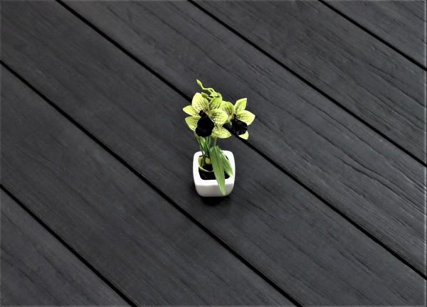 WPC Terrasse massiv, anthrazit, Oberfläche antik gealtert, 22 x 143 bis 4800 mm, Vollprofil, 8,40 €/lfm