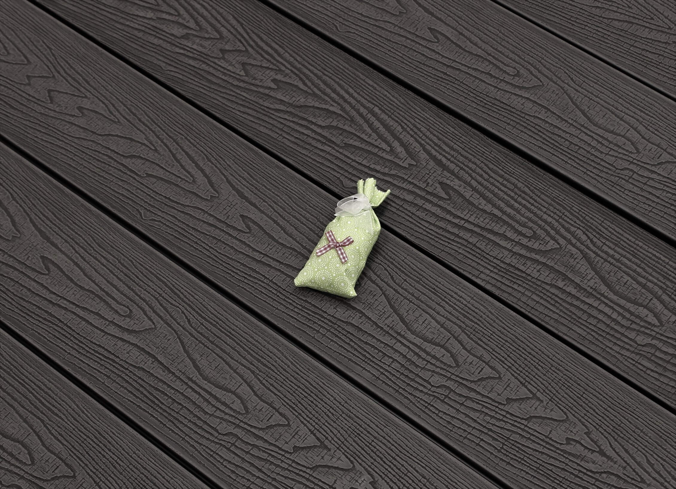 WPC Terrasse massiv, dunkelgrau, Oberfläche mit Struktur in Holzoptik sägerau, 22 x 143 bis 4800 mm, Vollprofil, 7,95 €/lfm