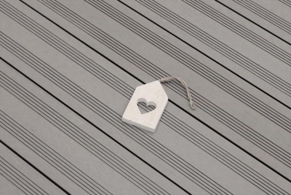 WPC Terrassen massiv, hellgrau, Oberfläche mit französischem Profil, 22 x 143 bis 4800 mm, Vollprofil, 7,95 €/lfm