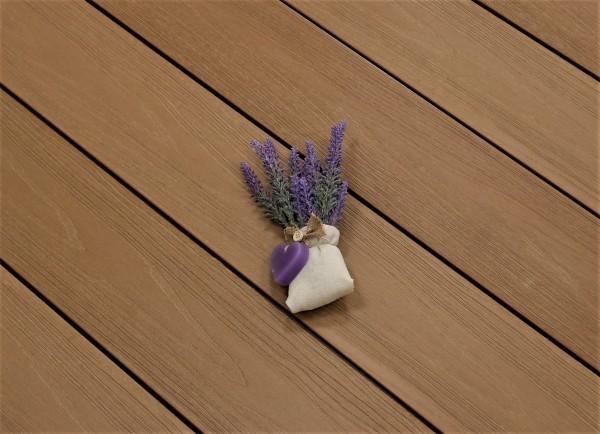 WPC Terrasse Deserto, ummantelt, massiv, hellbraun, Oberfläche mit Struktur in Holzoptik, Premium, 22 x 143 bis 4800 mm, Vollprofil für 10,40 €/lfm